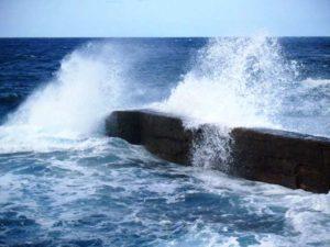 Der Atlantik zeigt sich ungestüm