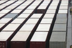Container auf dem Ladungsdeck