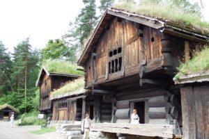 """Gehöft in """"Setesdal"""" im Norsk Folkemueum"""
